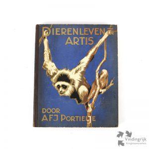 Dit Verkade album Dierenleven In Artis is uit 1939.
