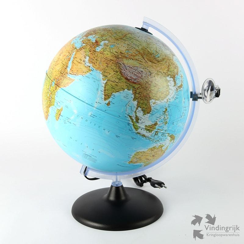 Globe met Verlichting & Vergrootglas - Vindingrijk ...
