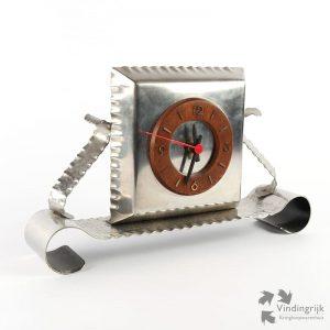 metalen tafelklok metaal klok gehamerd