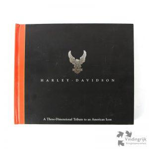 Harley - Davidson - A Three Dimensional Tribute to an America Icon is een Pop-up boek in de Engelse taal van Jerry Hatfield and Dawn Bentley waarin de geschiedenis van het motormerk wordt verhaald. Het is een uitgave in hardcover van Pop-Up-Press, Santa Monica USA uit 1998