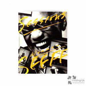 Sessions! is een fotoboek op groot formaat met verrassend mooie zwart-wit opnamen. Geportretteerd zijn diverse beroemde en bekende artiesten, zoals o.a The Rolling Stones, Santana, The Everly Brothers, Tammy Wynette, Frank Zappa, Van Halen, Patti Smith en The band. De begeleidende teksten zijn in de Engelse taal. Op het oranje schutblad is een opdracht geschreven. Het is een uitgave van The WhaleSong Collection, tweede druk november 1994