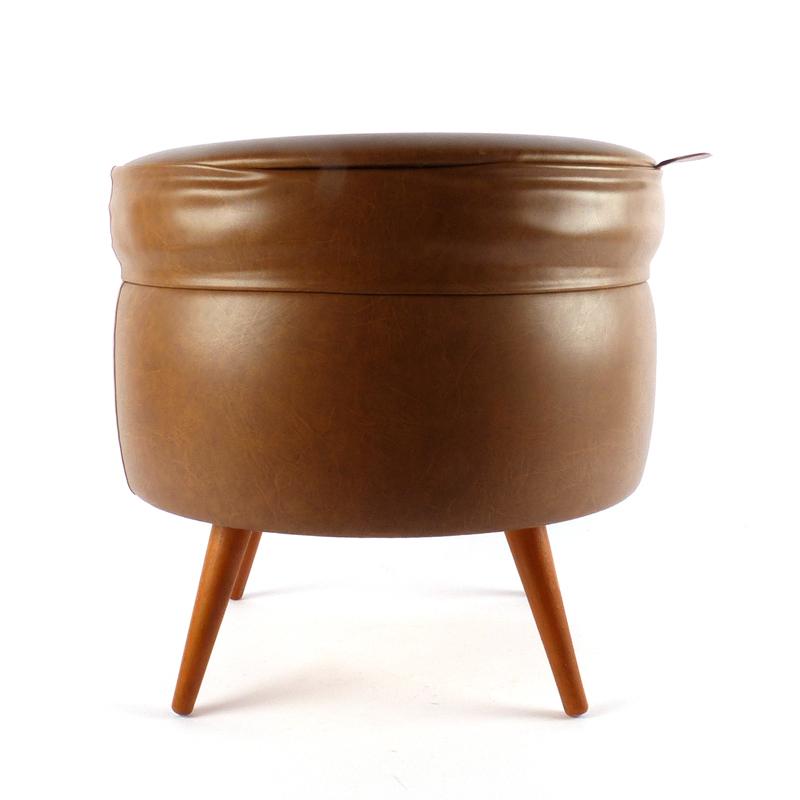 Vintage poef naaidoos vindingrijk kringloopwarenhuis breda for Webshop meubels