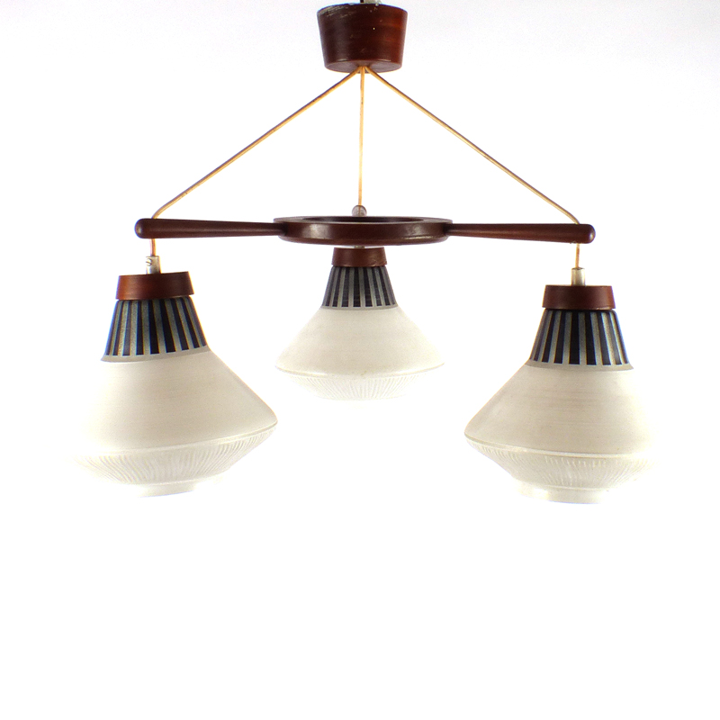 Vintage hanglamp vindingrijk kringloopwarenhuis breda for Hangelampe vintage